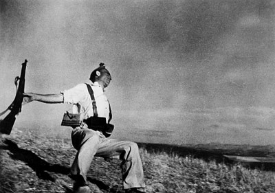 Robert Capa, Death of a Loyalist Soldier, 1936
